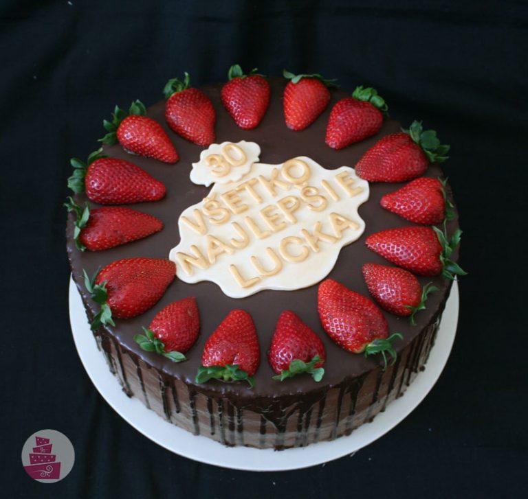 narodeninova-torta-cokoladova-s-jahodami